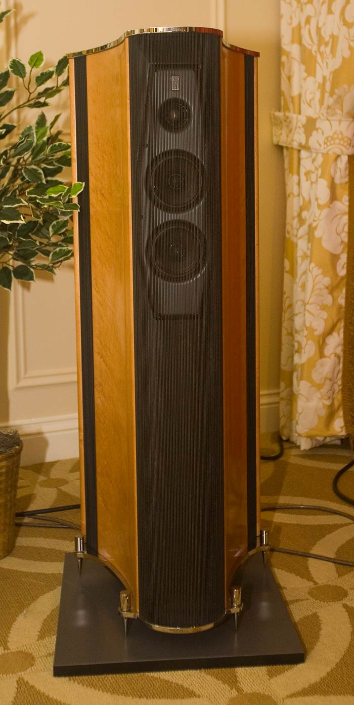 How To Set Up   Speakers In A Small Room