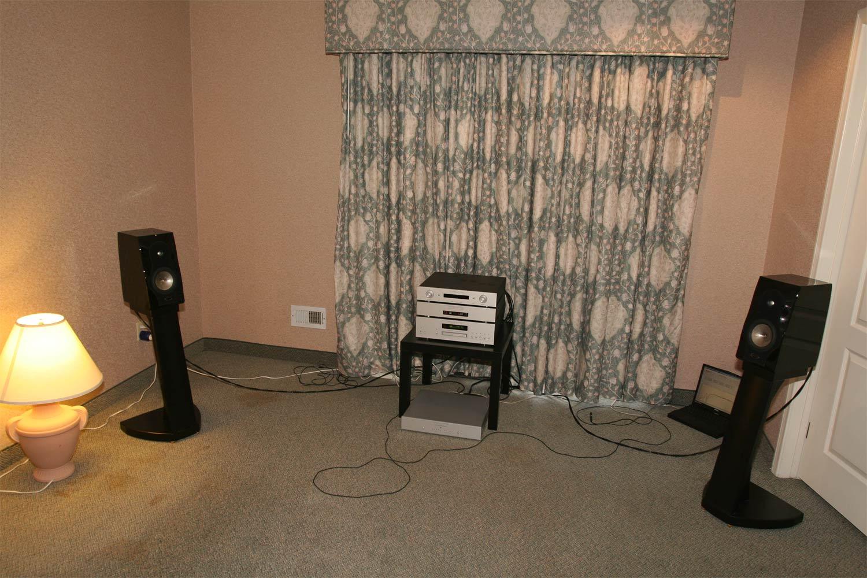 audio federation ces t h e show report 2007 audiokinesis dehabilland emerald physics. Black Bedroom Furniture Sets. Home Design Ideas