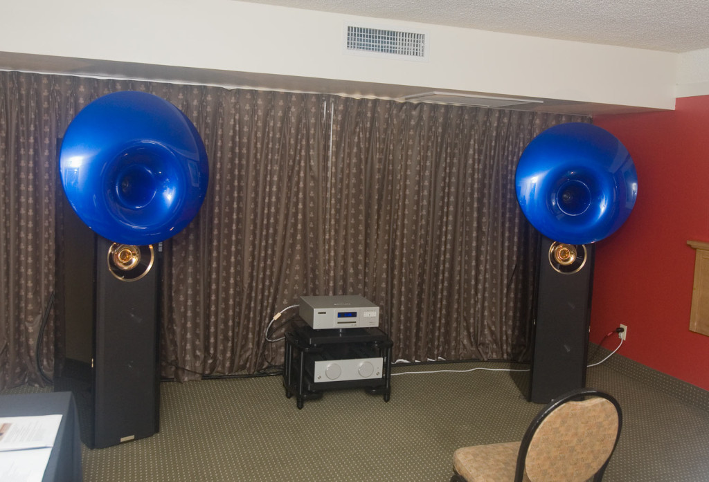 IMG_7900-acapella-atlas-speakers-and-integrated-amp-and-emmlabs-cd-player
