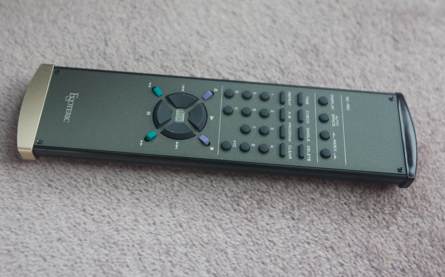 IMG_8547-esoteric-p70-transport-remote-control
