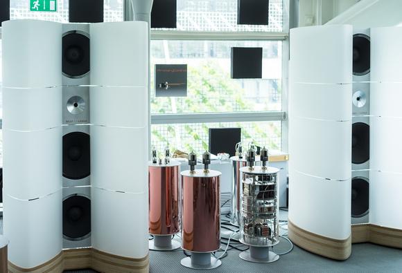 wolf-von-langa-salon-speakers
