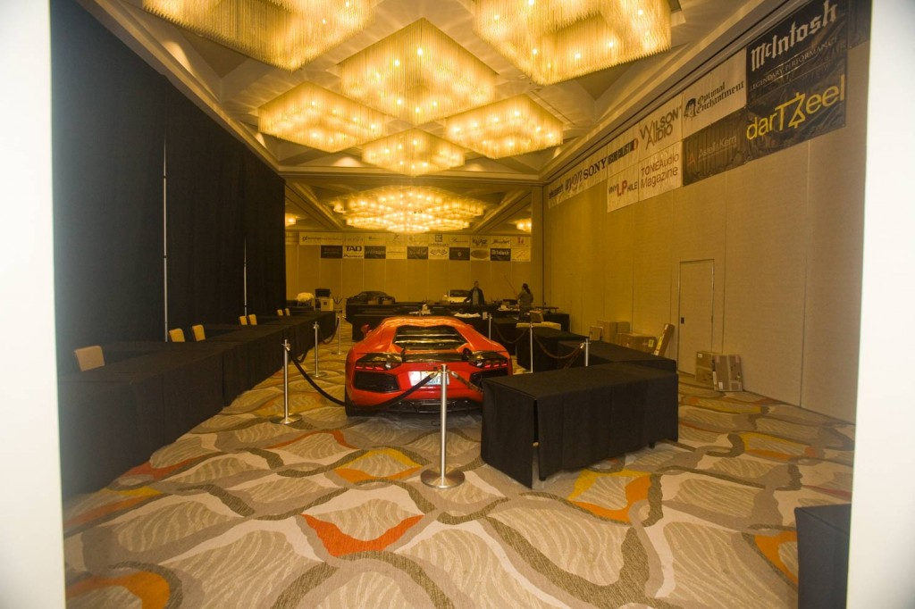 IMG_4417-the-show-newport-2015-floor-1-cars