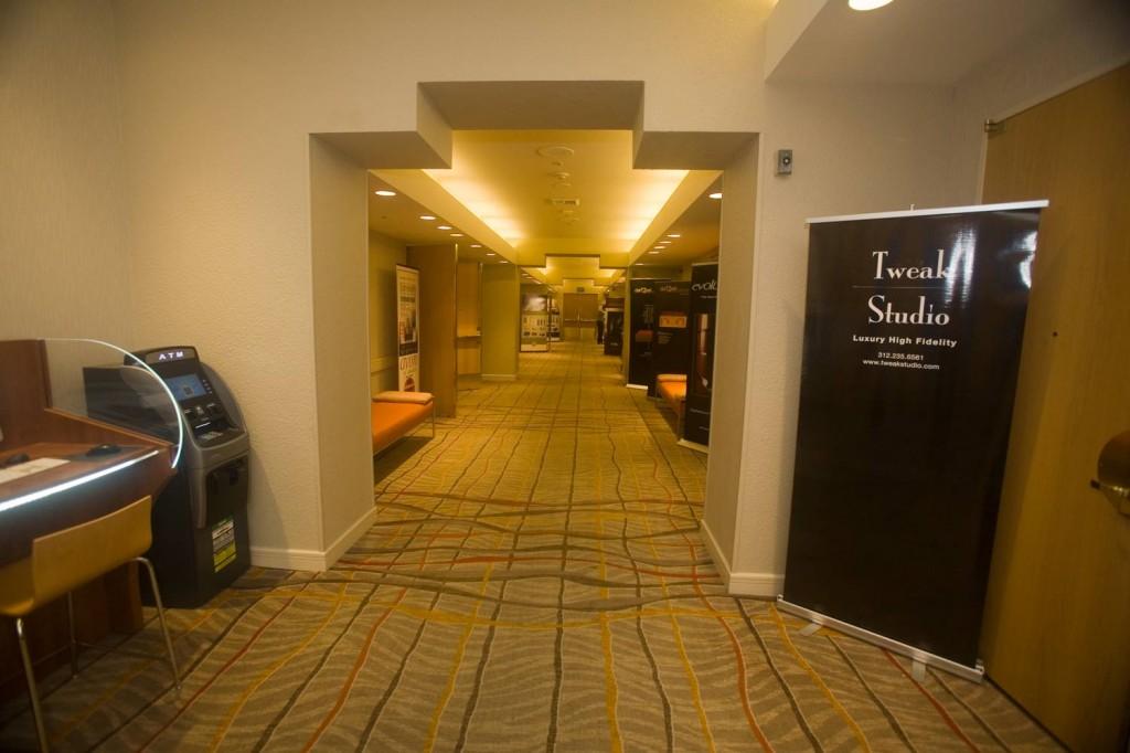 IMG_4554-floor-1-hall-2