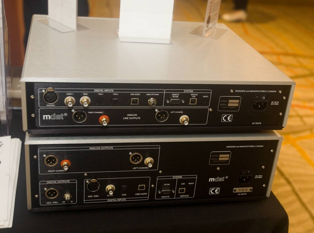 IMG_4538-emmlabs-dac2-xds1-rear-panel