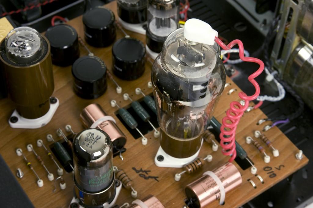 Audio-note-M10-SIGnature-PSU-detailed4-Y
