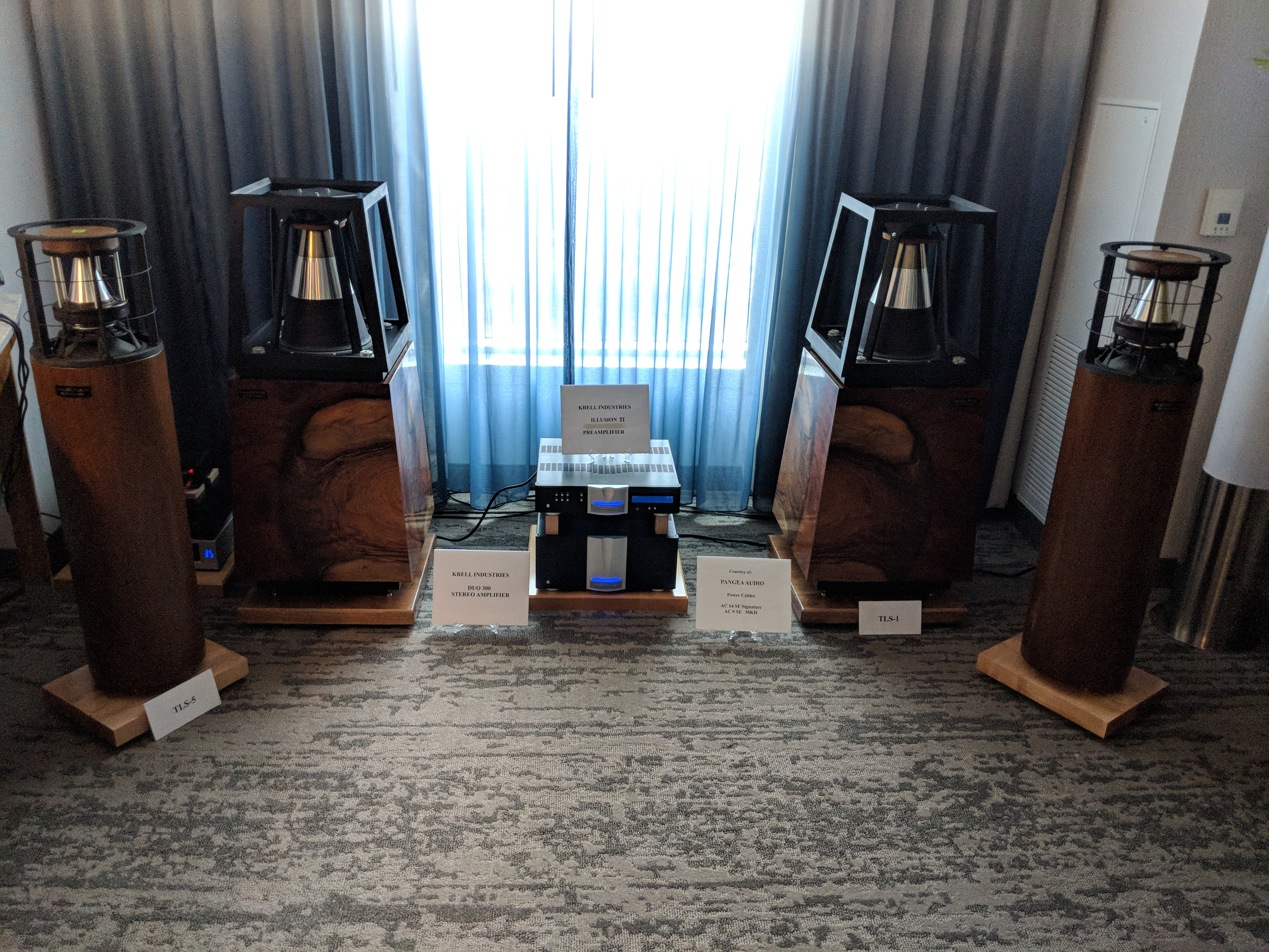 HHR Exotic Speakers – Axpona 2018
